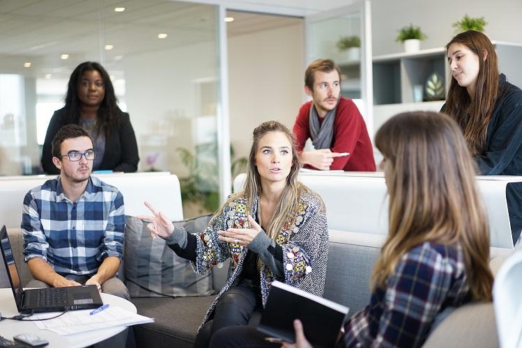 Лидеры в бизнесе: 4 способа изменить ваше мышление и преодолеть посредственность