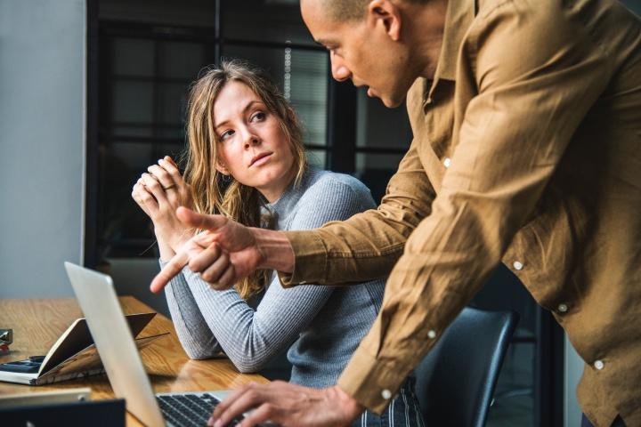 Вы жесткий менеджер или оскорбляющий менеджер?